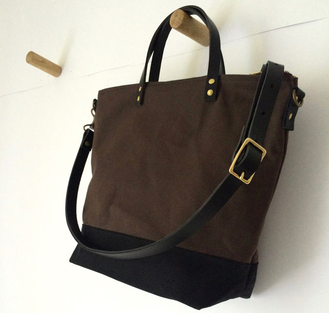 modern-coup-commuter-bag-brown-main