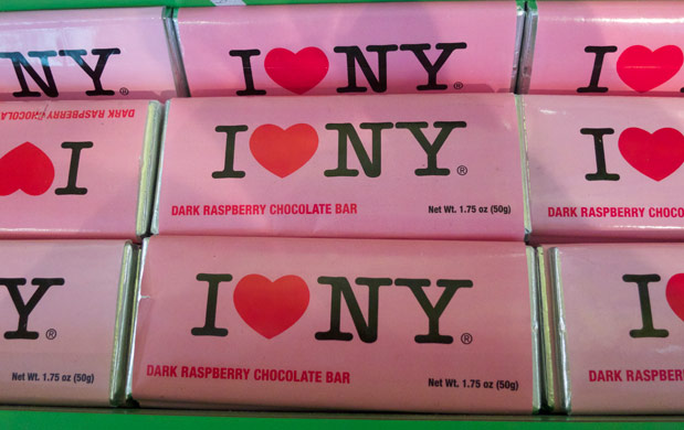 modern-coup-new-york-city-fao-schwarz-candy-store-chocolate-bar
