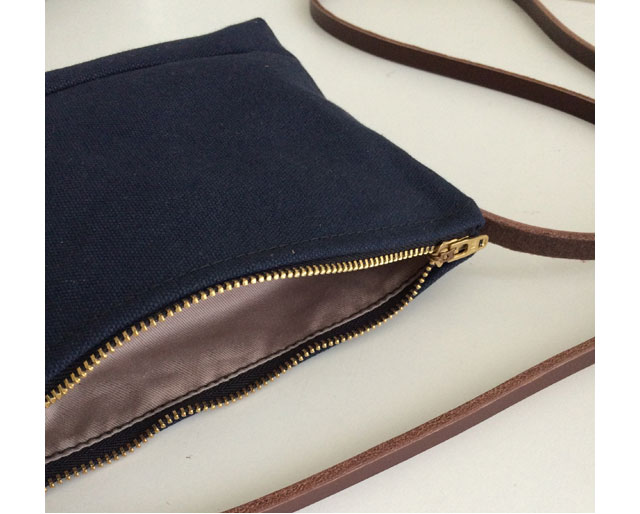 modern-coup-petite-purse-wax-canvas-leather-interior