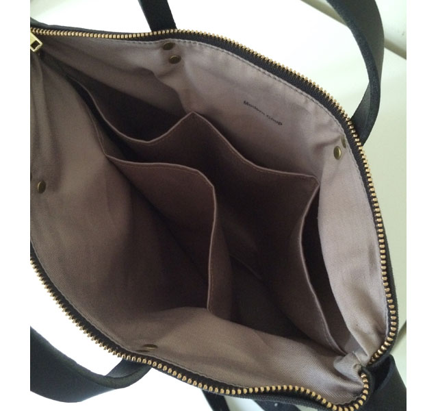 modern-coup-waxed-canvas-and-leather-commuter-bag-interior-pockets