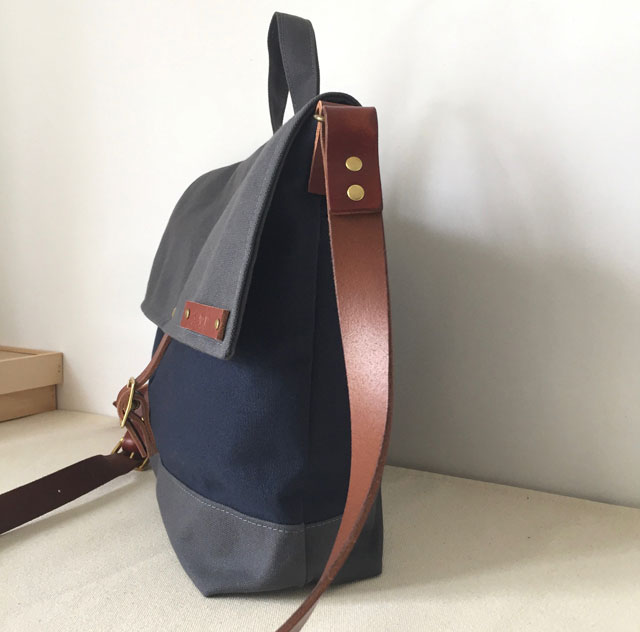 modern-coup-waxed-canvas-leather-bags-courier-bag-blue-grey-side