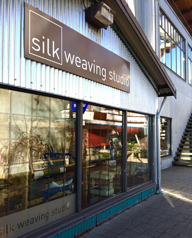 modern-coup-waxed-canvas-leather-bags-granville-island-weaving-studio
