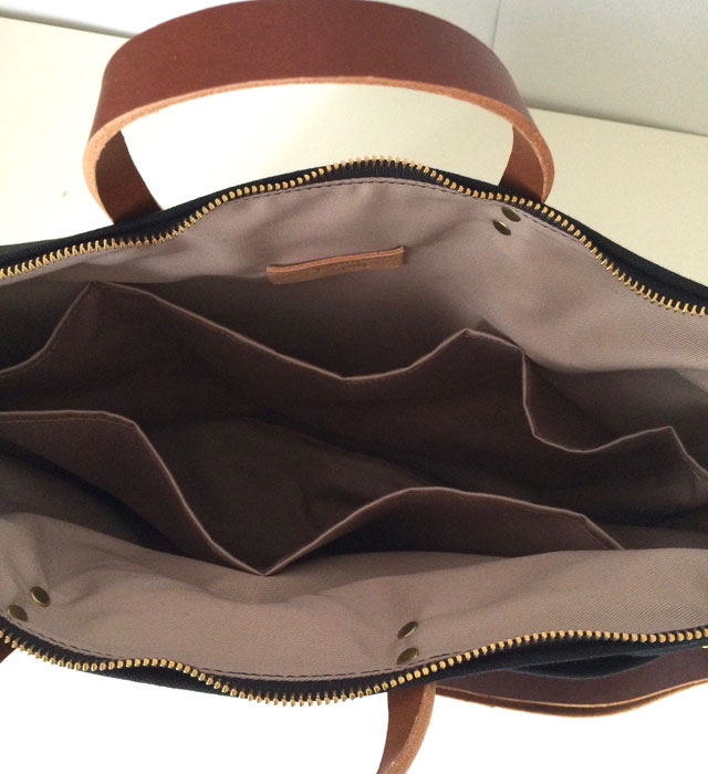 modern-coup-waxed-canvas-leather-bags-large-utility-tote-lindsey-hawaii-inside-pockets