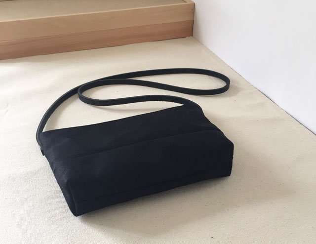 modern-coup-waxed-canvas-leather-bags-pouchette-purse-black