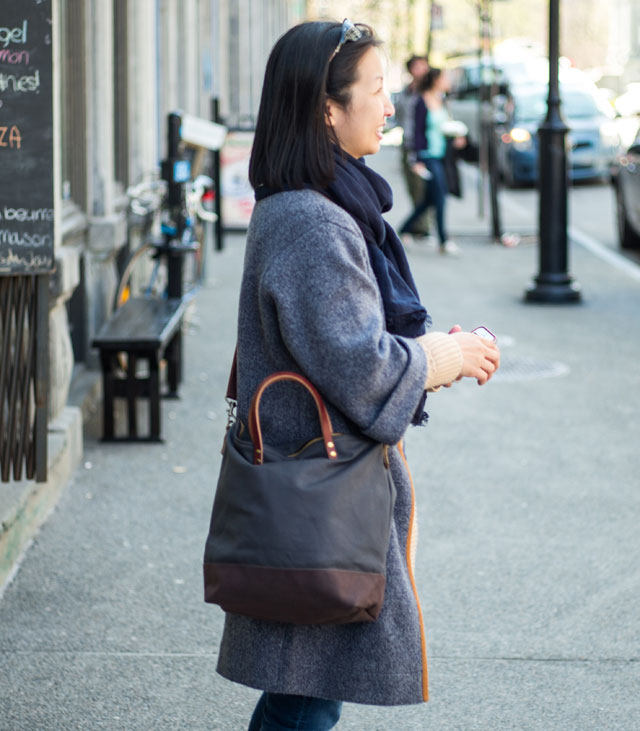 modern-coup-waxed-canvas-leather-commuter-bag-charcoal-grey-brown-montreal-lifestyle